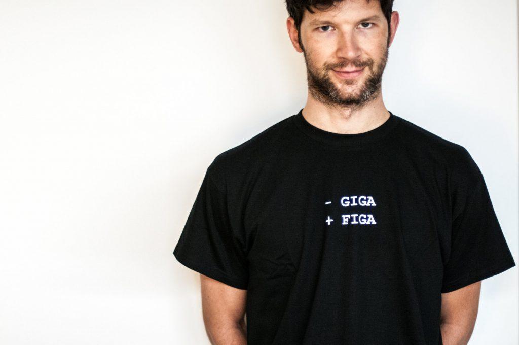 giga-figa-maglietta-modello-figo