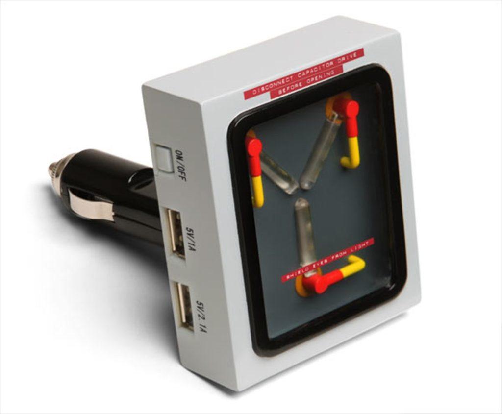 Carica cellulare Flusso Canalizzatore per auto USB